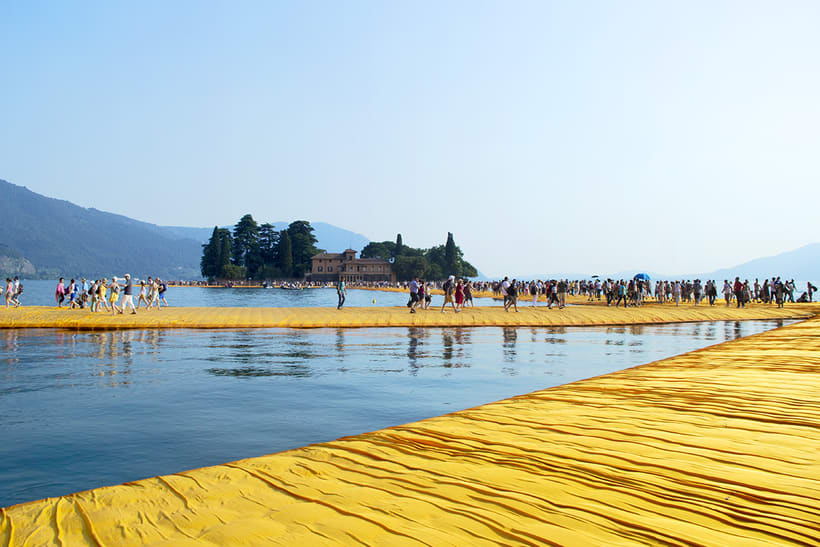the floating piers  (Iseo lake, Italy) 11