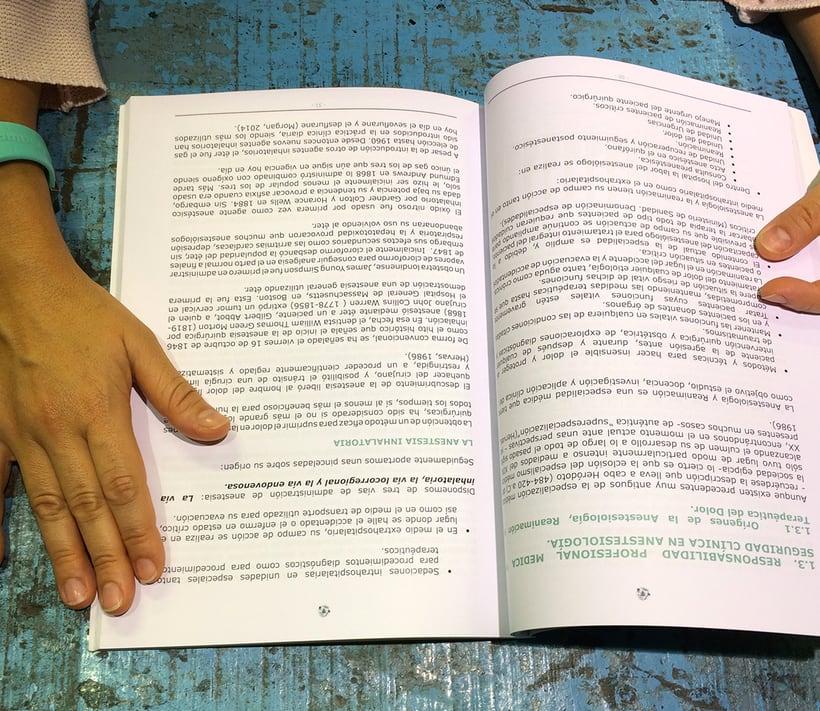 Tesis Doctoral - proyecto editorial e identidad 2