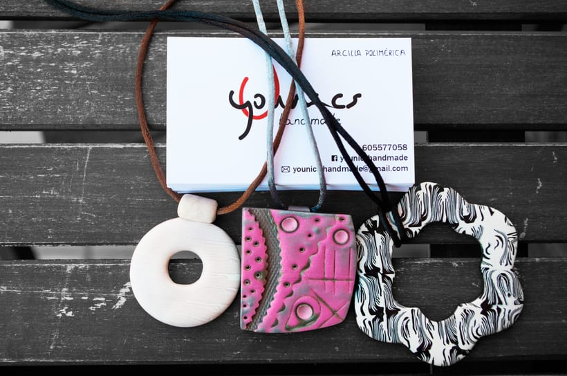 Branding, tarjetas y cartel para Younics Handmade 3