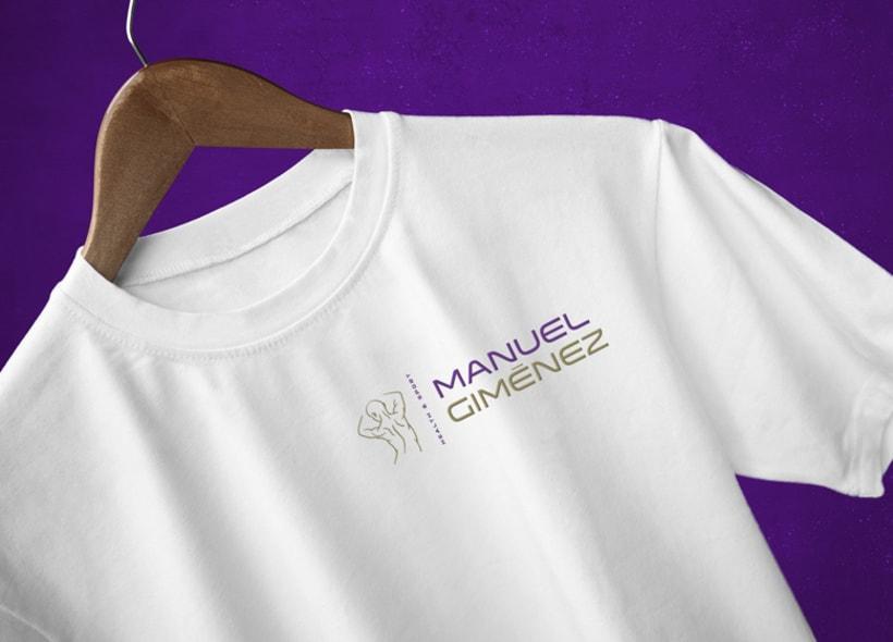 Diseño de logotipo para Manuel Giménez, un entrenador personal, quiromasajista y asesor de nutrición que contactó con nosotros porque estaba a punto de abrir su propio local después de estar años trabajando para distintos gimnasios. 2