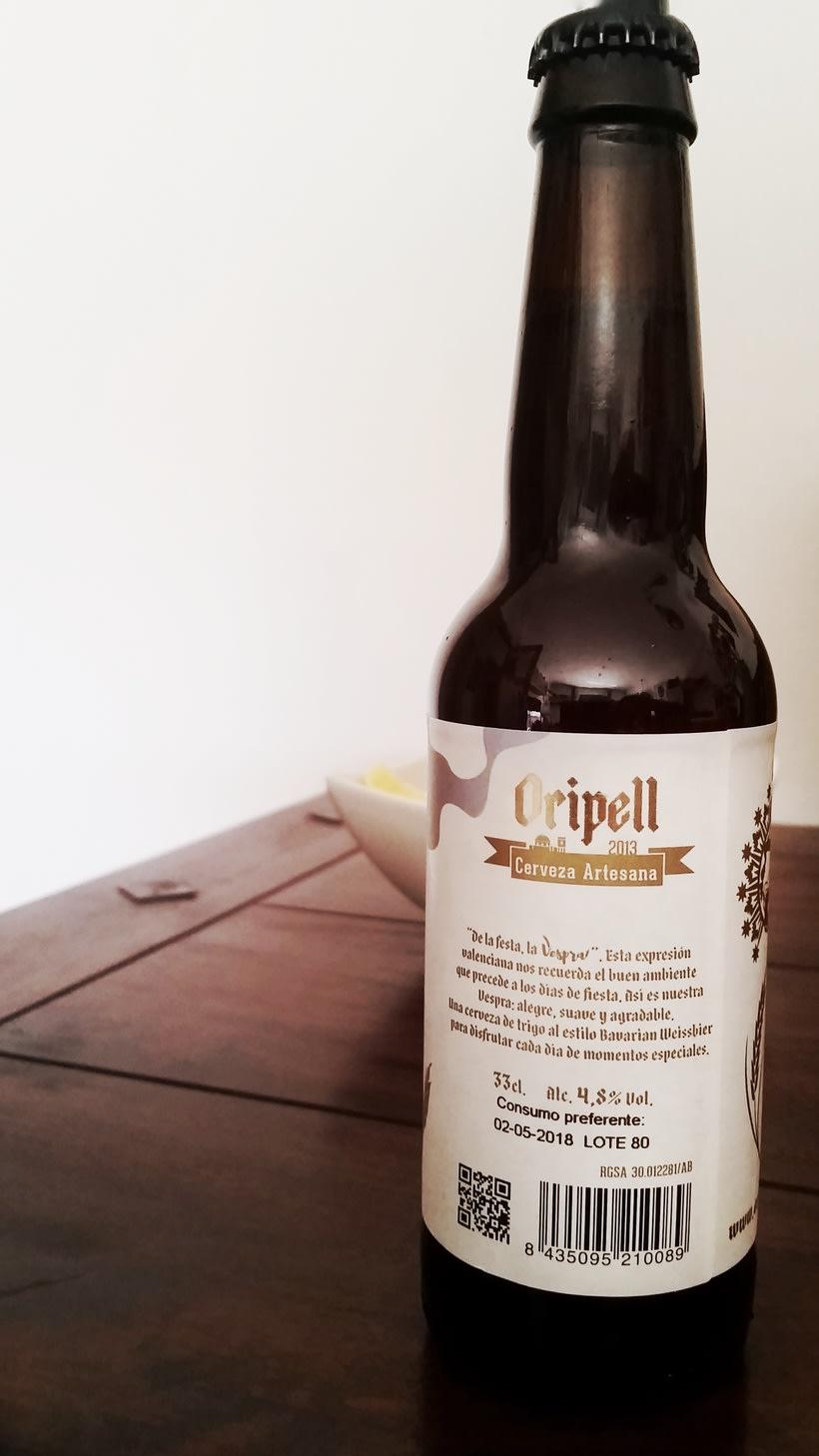 Vespra. Cerveza artesana de trigo. 1