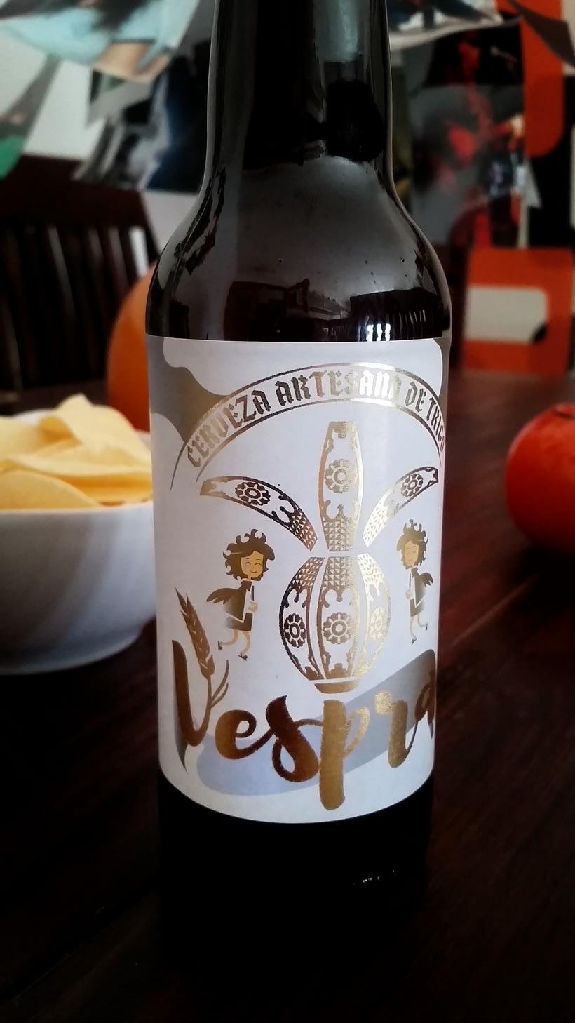 Vespra. Cerveza artesana de trigo. 3