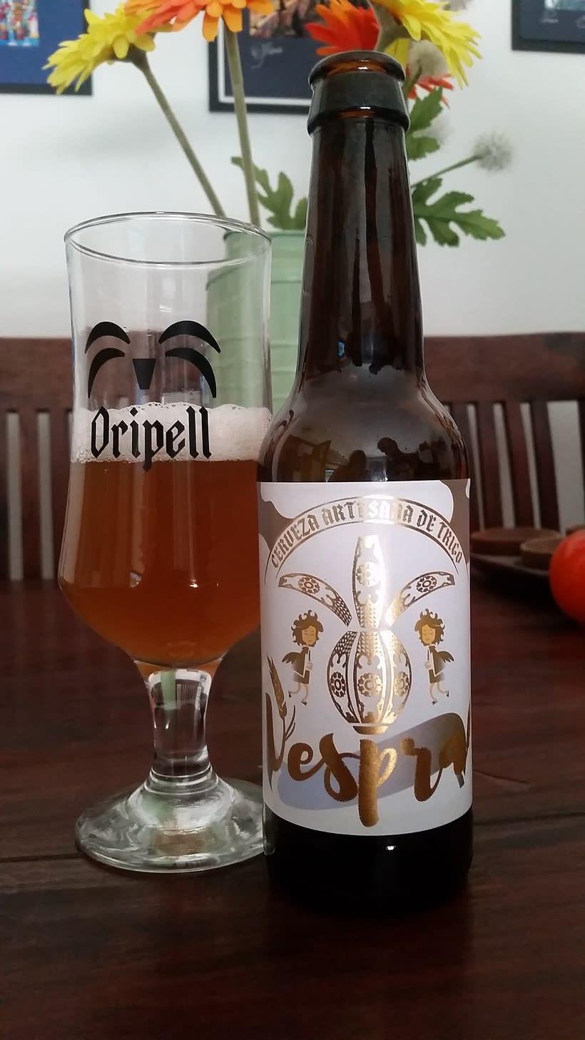 Vespra. Cerveza artesana de trigo. 6