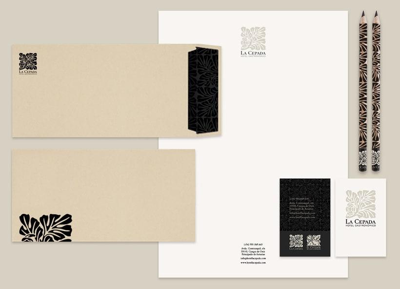 HOTEL LA CEPADA | Identidad y papelería 0