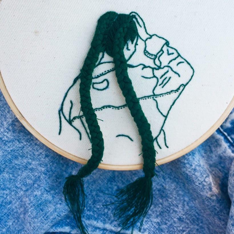 Sheena Liam y los bordados que se pueden peinar 18