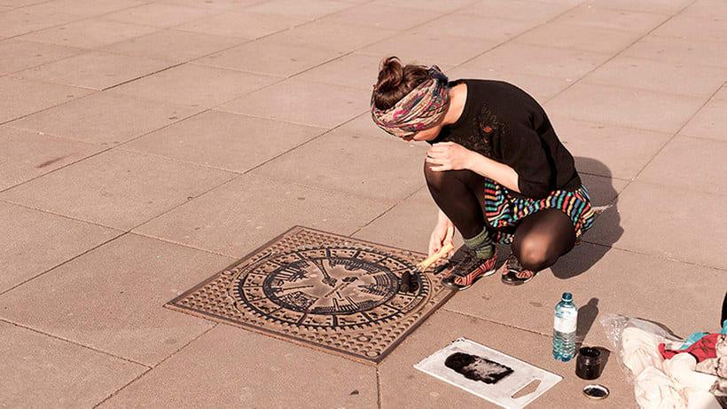 Raubdruckerin: la calle es su taller de grabado 5