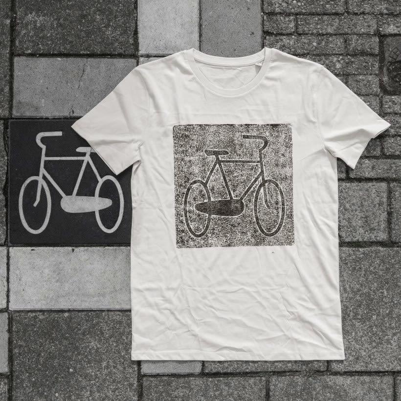Raubdruckerin: la calle es su taller de grabado 8