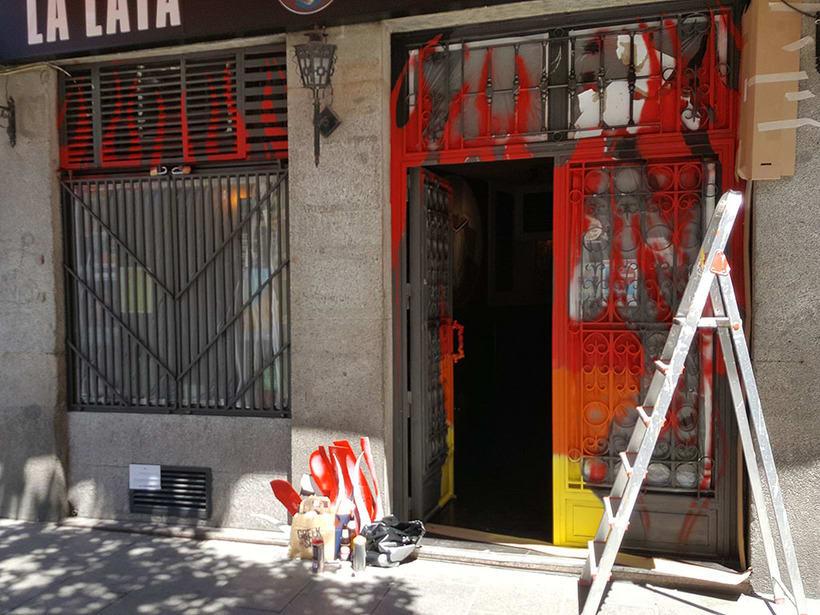 """""""Llamas (y te abren)"""", para festival C.A.L.L.E. Lavapiés y bar La Lata 3"""