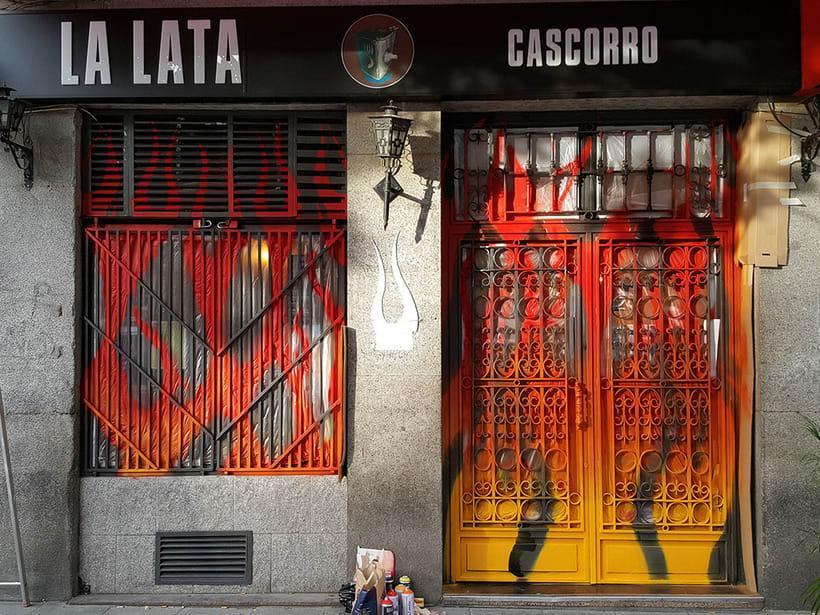 """""""Llamas (y te abren)"""", para festival C.A.L.L.E. Lavapiés y bar La Lata 5"""