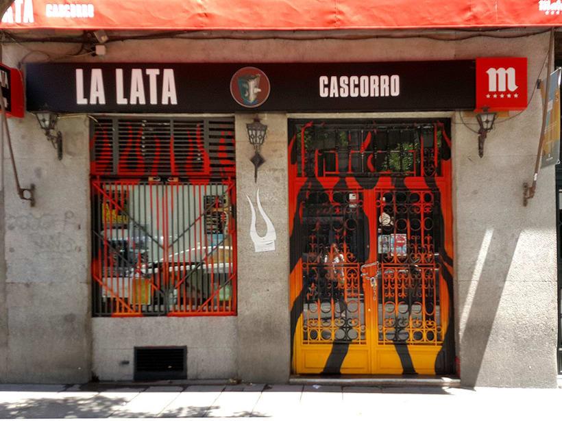 """""""Llamas (y te abren)"""", para festival C.A.L.L.E. Lavapiés y bar La Lata 7"""