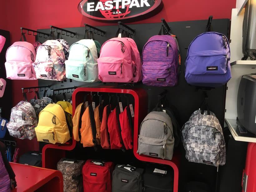 Visual Merchandising Eastpak 3