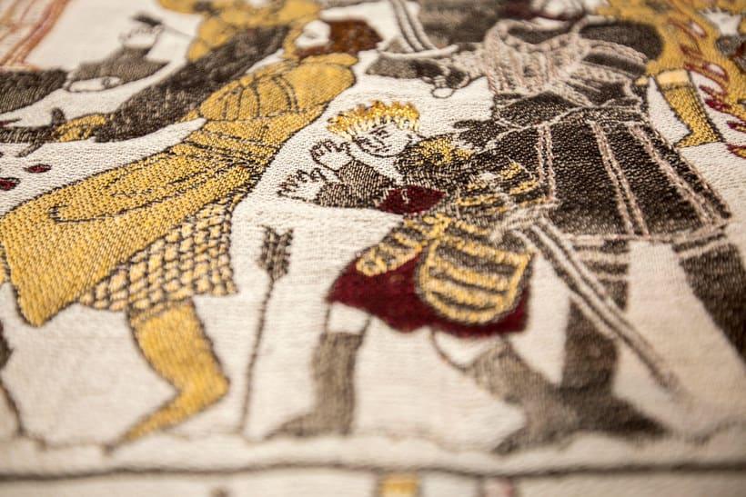 Un tapiz bordado con escenas épicas de Juego de Tronos 9