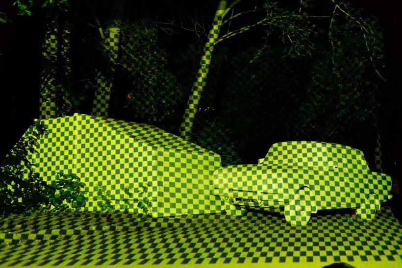CTRL+X o cómo hacer objetos invisibles con arte urbano 6