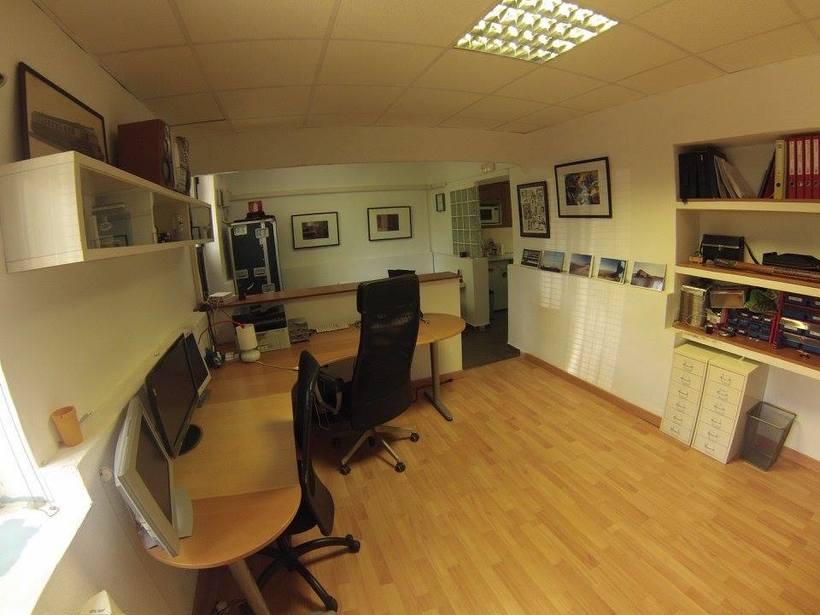 Alquiler oficina (particular, no coworking) en el centro 150€/mes con todos los servicios incluidos 1