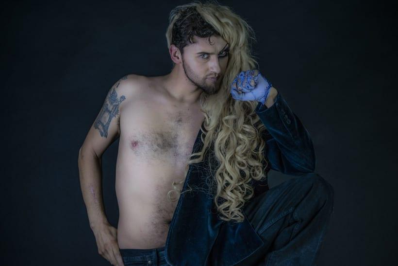Mi Proyecto del curso: Fotografía de moda y retoque digital, Makeup. Fotografía: Martín Serafín; Modelo: Uriel Ochoa; MakeUp: Azucena Galicia; Arte: Azucena Galicia, Martín Serafìn 3