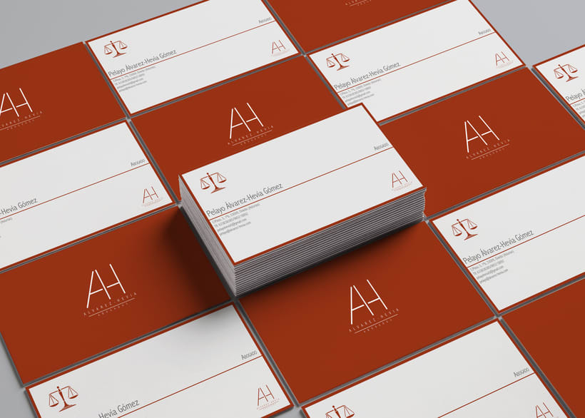 Alvarez-Hevia Abogados Business Card 0