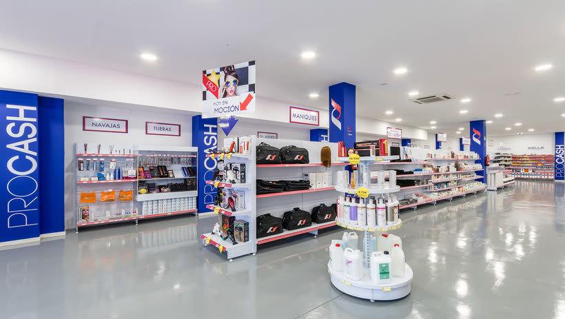 Decoración y PLV - Tienda de peluquería 1