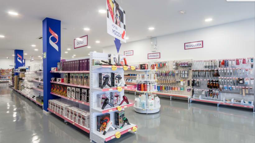 Decoración y PLV - Tienda de peluquería 2