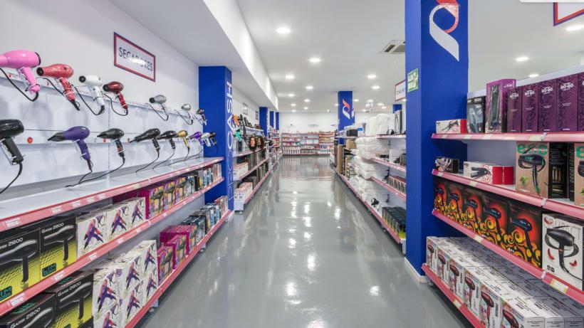 Decoración y PLV - Tienda de peluquería 3