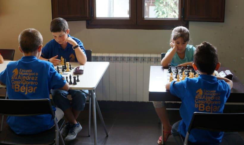 Equipación de la escuela municipal de ajedrez de Béjar -1