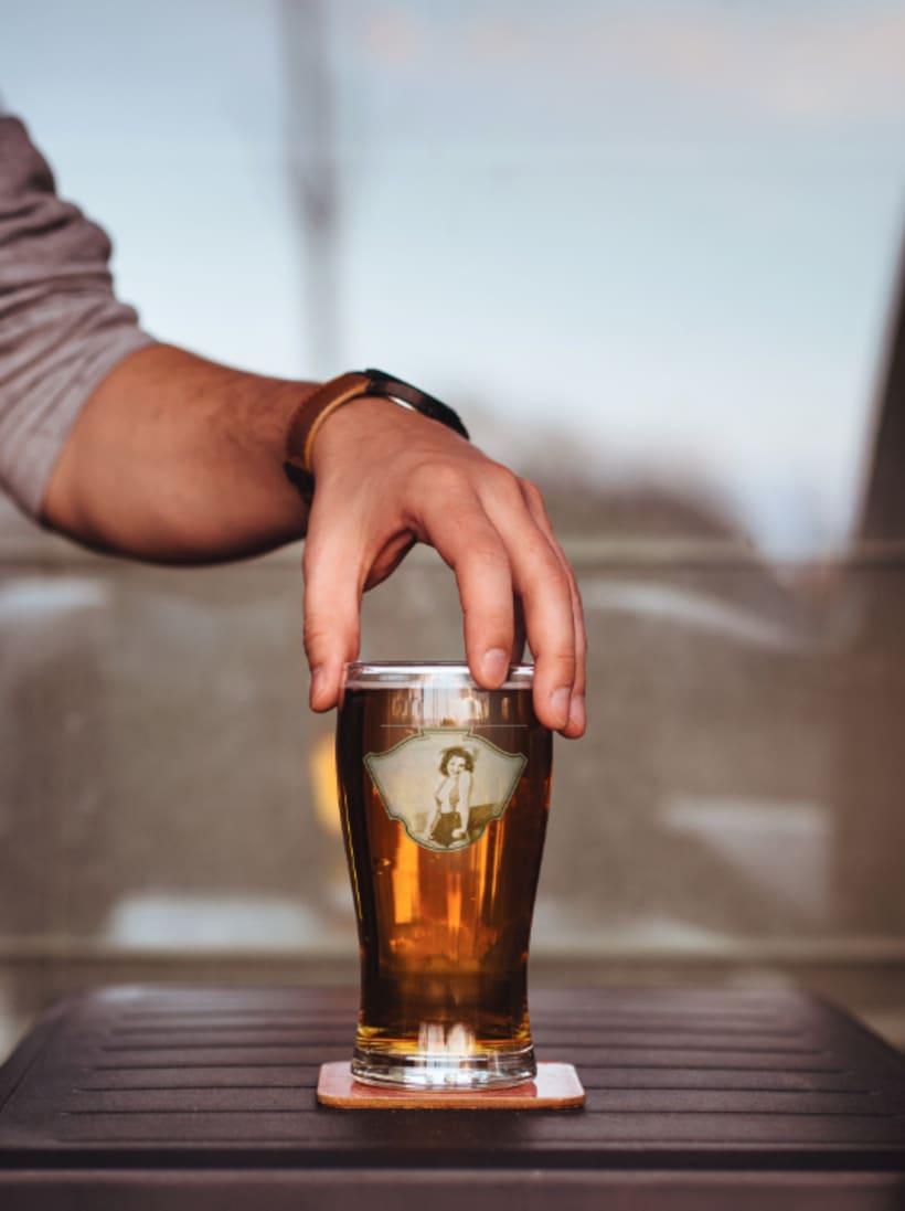 Cerveza Wilma. Diseño de etiqueta. 2º Premio Granada Beer Festival 3