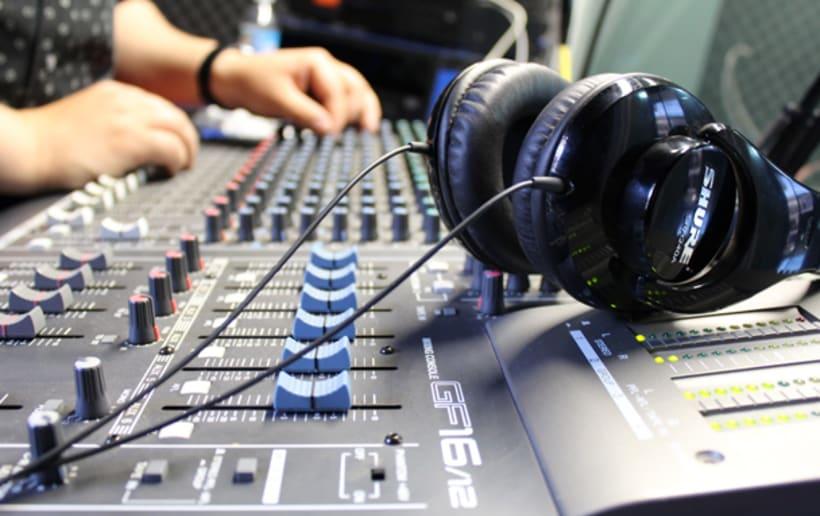 Aprender a grabar, producir, mezclar y masterizar tus propios temas 1