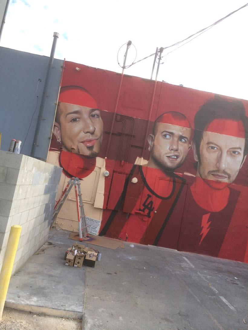 Mural HIGH VOLTAGE -Estudio de tattoo de Kat Von D, Hollywood LA- 13