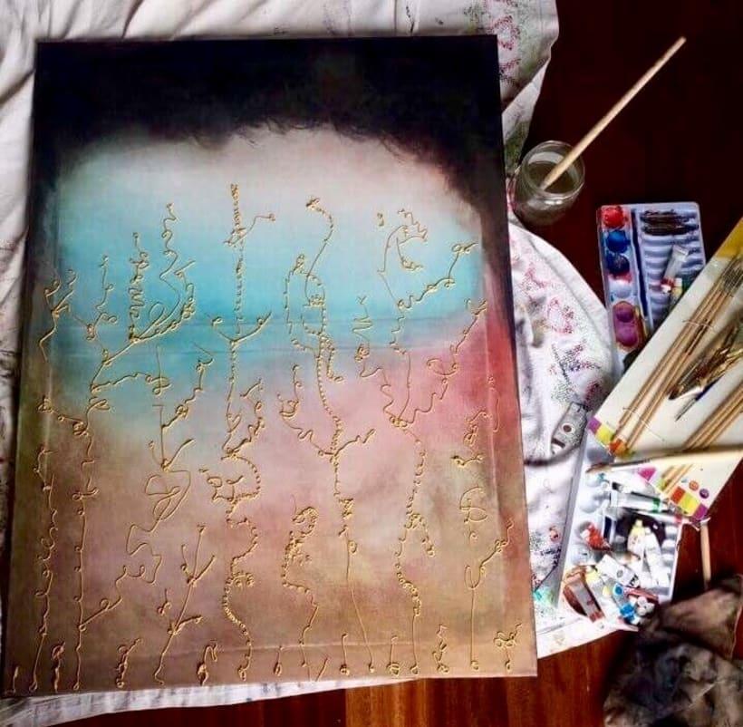 Pincel y mano : explosión de luz y color  0