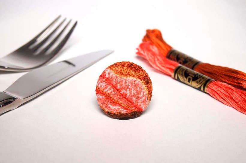 Los microbordados gastronómicos de Ipnot 15