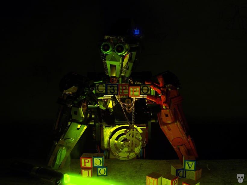 C3PO & Chappie Mashup / ROBOT 15