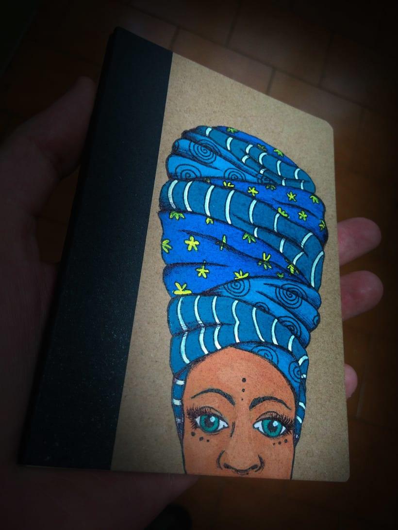 Turbante con arte (libretas de carton reciclado y pintadas a mano) 1