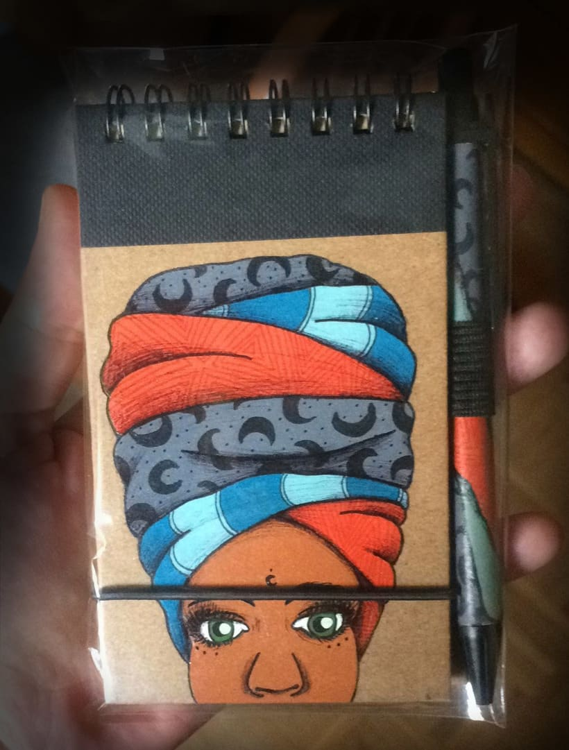 Turbante con arte (libretas de carton reciclado y pintadas a mano) 4
