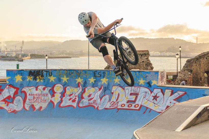 23/05/2017 BMX en el skatepark de Cimadevilla, Gijón - Asturias 6
