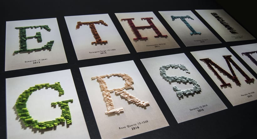 Tipografía Postales, camiseta y packaging Pantone Colors of the year 2010/17 1
