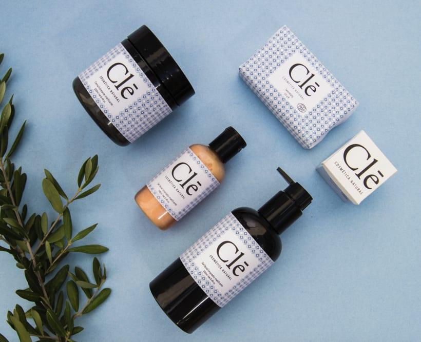 Identidad corporativa Naming, logotipo y packaging Clē cosméticos naturales 3