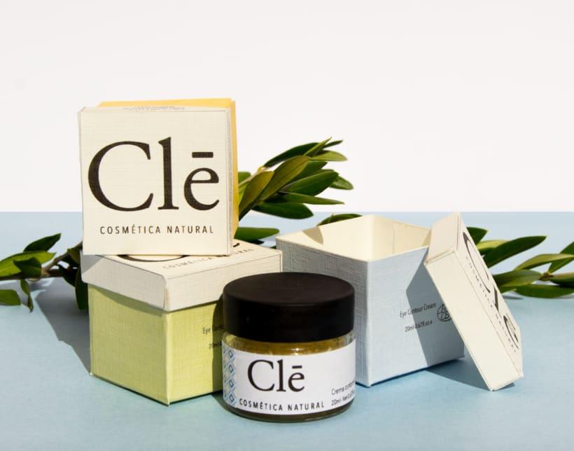 Identidad corporativa Naming, logotipo y packaging Clē cosméticos naturales 4
