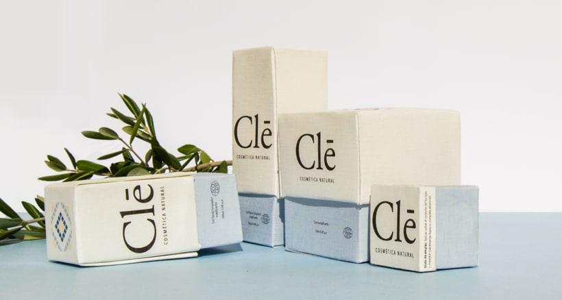 Identidad corporativa Naming, logotipo y packaging Clē cosméticos naturales 5