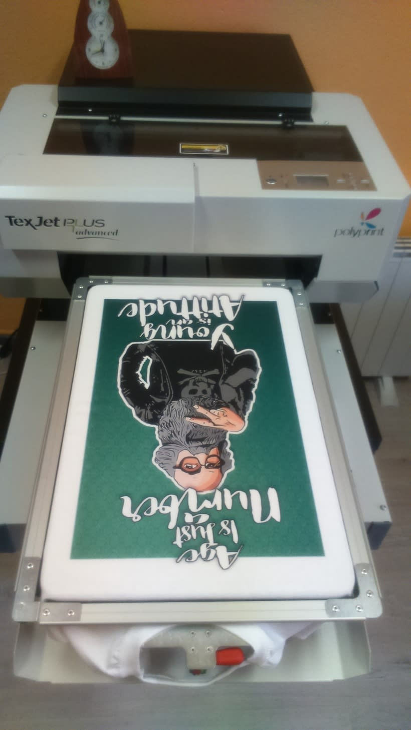 Impresora textil para diseño de camisetas 2