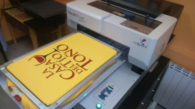 Impresora textil para diseño de camisetas 3