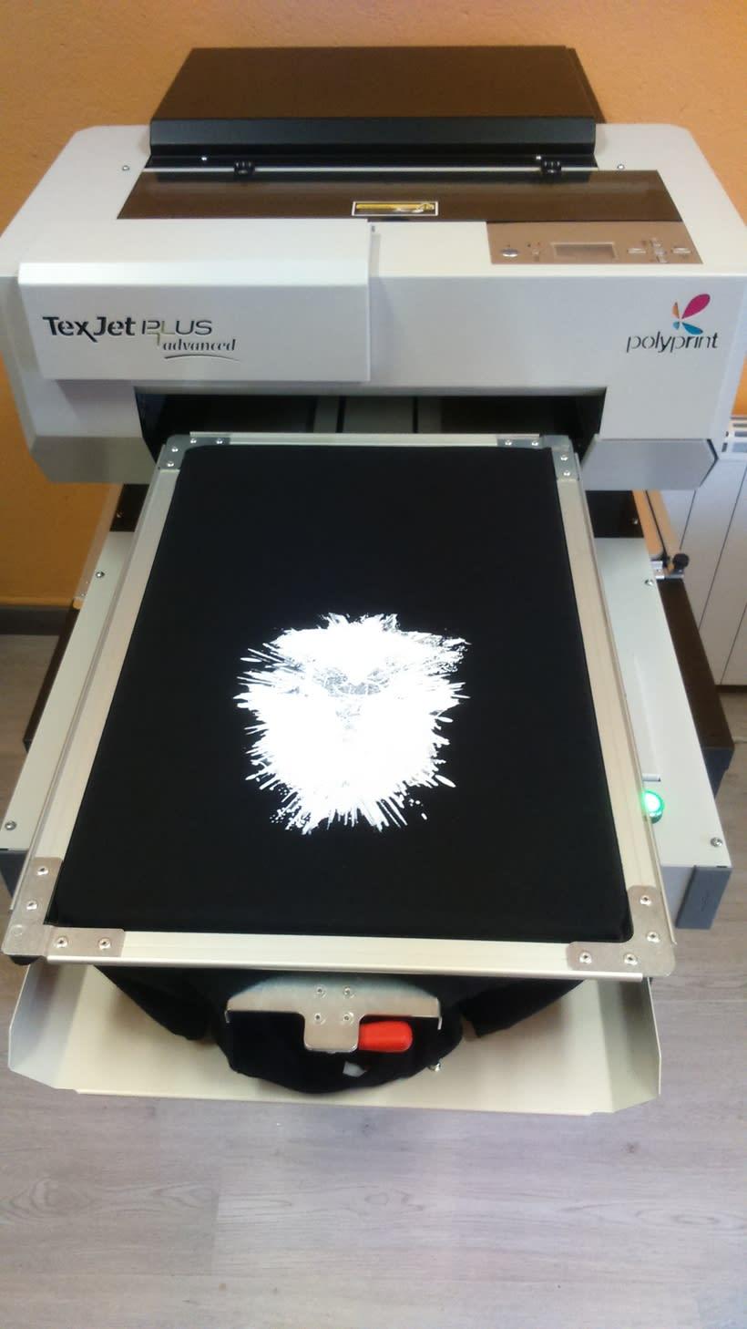 Impresora textil para diseño de camisetas 5