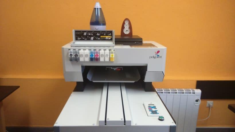 Impresora textil para diseño de camisetas 7