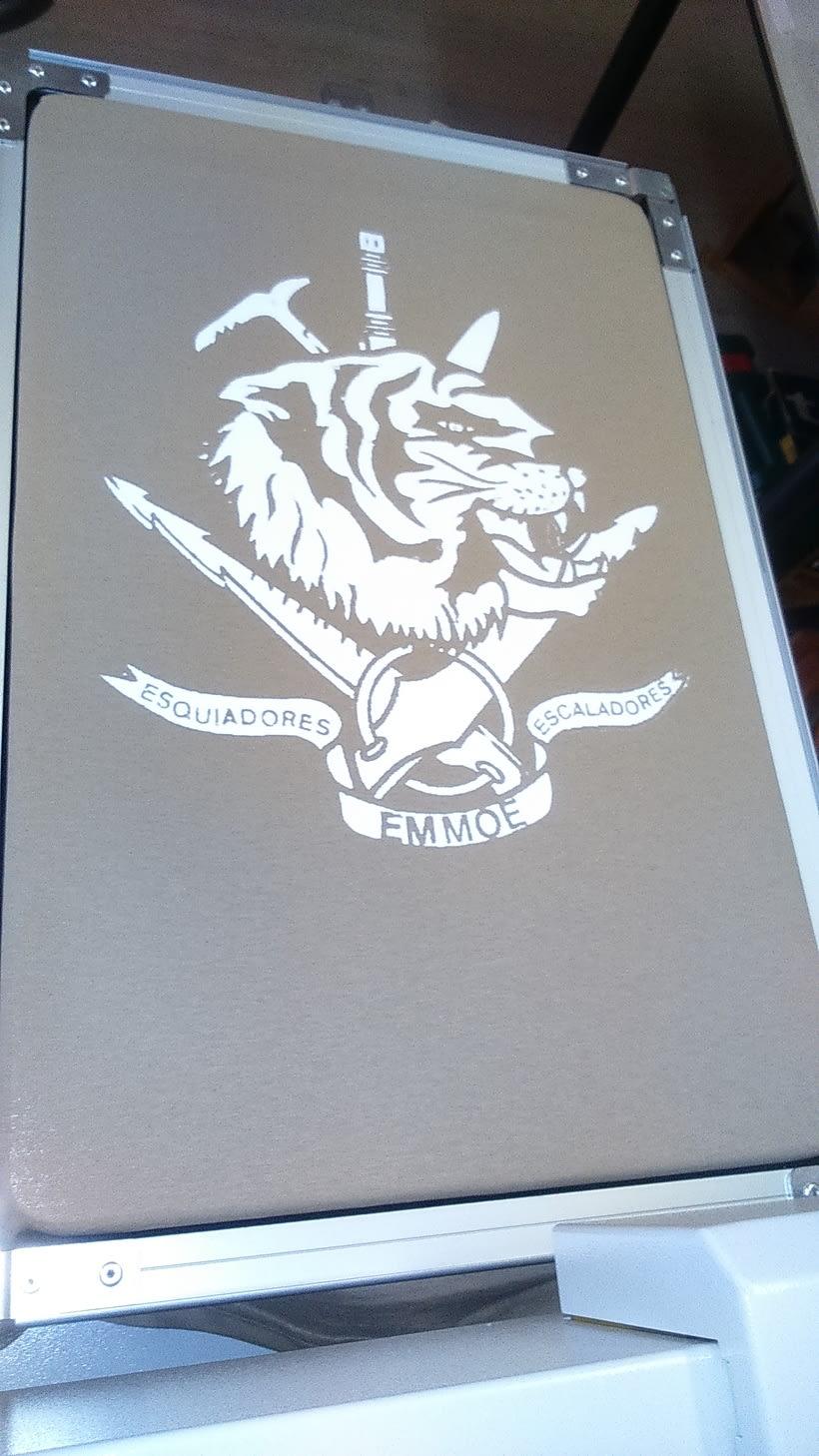 Impresora textil para diseño de camisetas 8