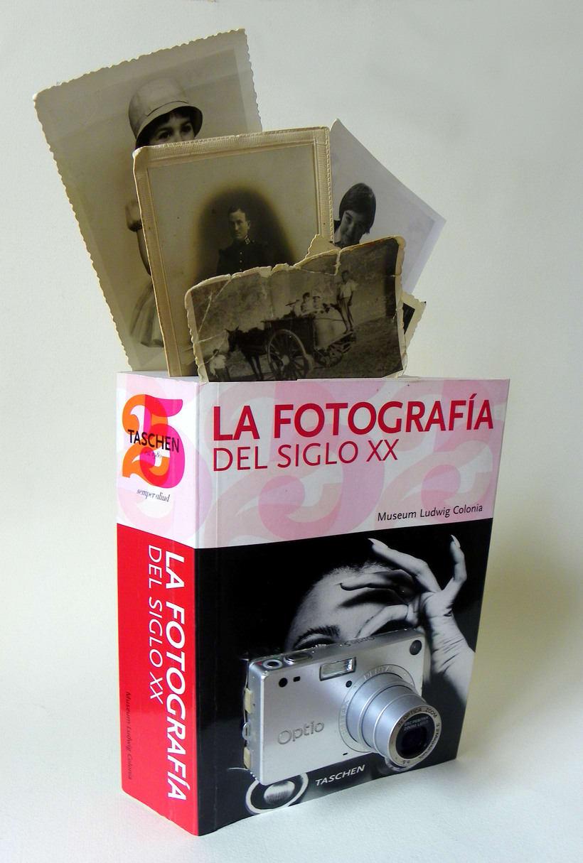 Fotografía del siglo XX (2015. Libro de artista, libro intervenido) 2