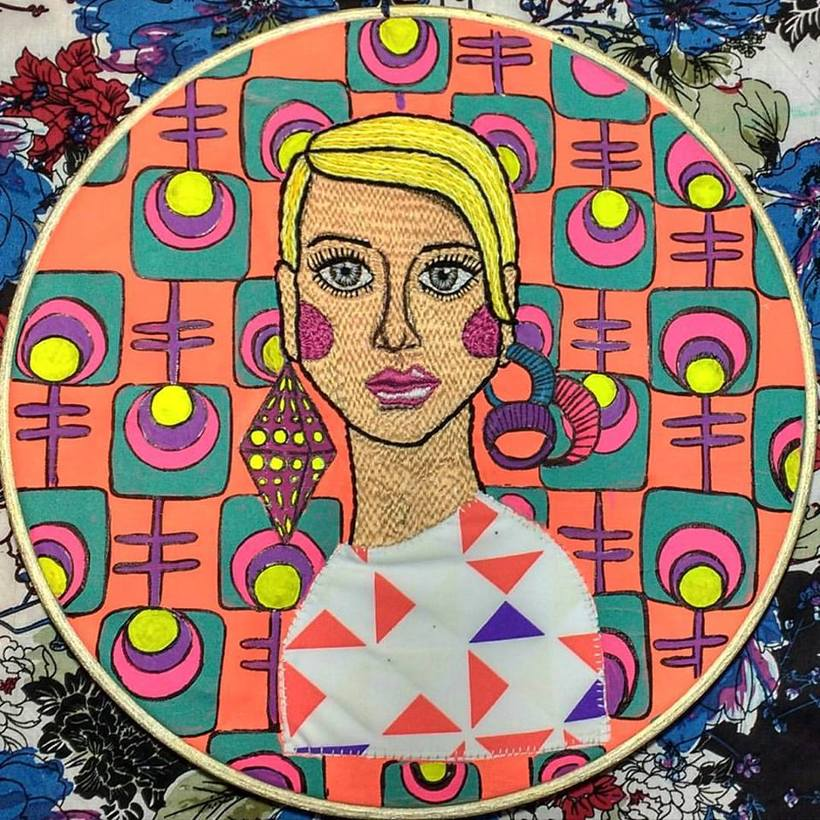 Ilustración bordada sobre la mujer en el mundo 8