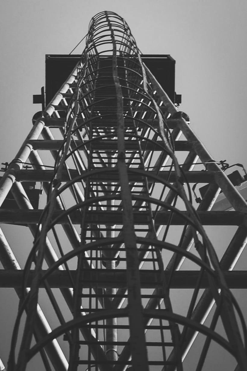 Mi Proyecto del curso: Fotografía arquitectónica y urbana | Industrial Encounters | 2