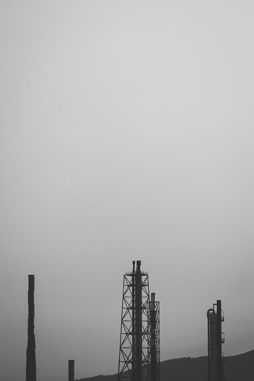 Mi Proyecto del curso: Fotografía arquitectónica y urbana | Industrial Encounters | 5