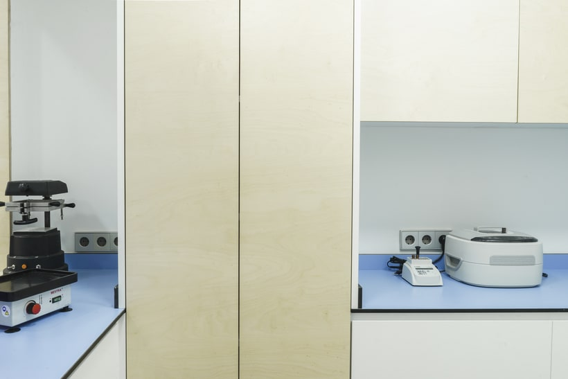 CENTRO DENTAL. Diseño de interior.Diseño de mobiliario a medida. 23