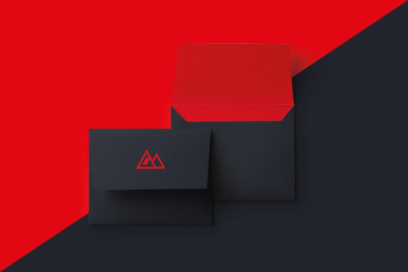 RAVEL - Brand Identity 3