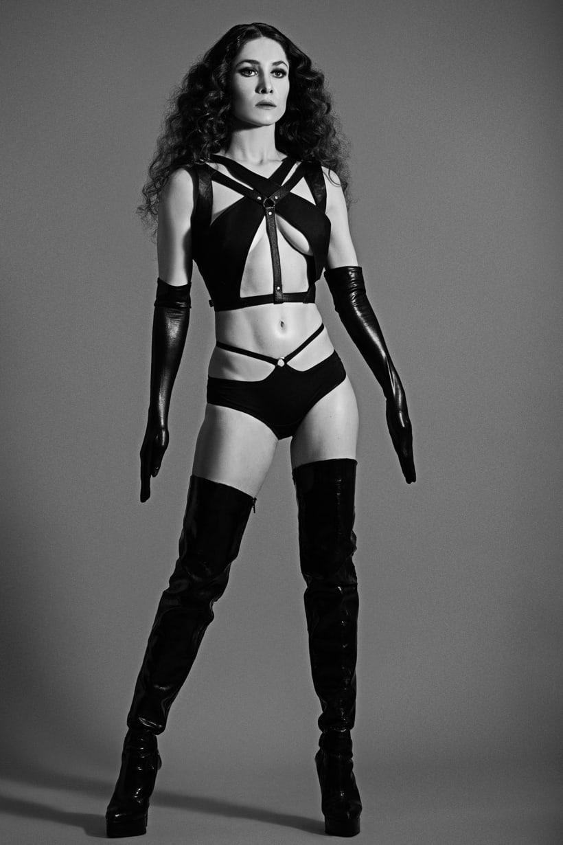 Les Monstres Danseurs. Photography, Art and Fashion. 5