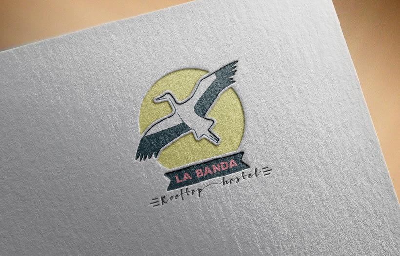 Mi propuesta de logotipo para La Banda Rooftop Hostel. 0